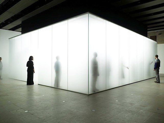 Antony Gormley, Blind Light, Sean Kelly Gallery, New York, 2007.