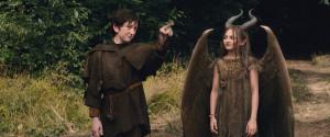 Stefan (Michael Higgins) e Maleficent (Isobelle Molloy) al loro primo incontro