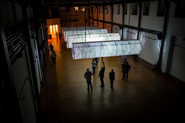 Chris Klapper e Patrick Gallagher, Symphony in D Minor, Skybox Gallery, Philadelphia, 2012.