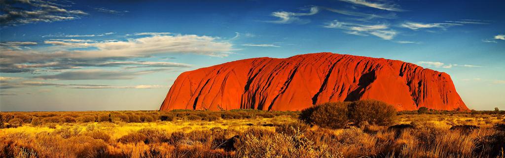 Ayers Rock, Uluru, il monolito rosso nell'outback australiano.